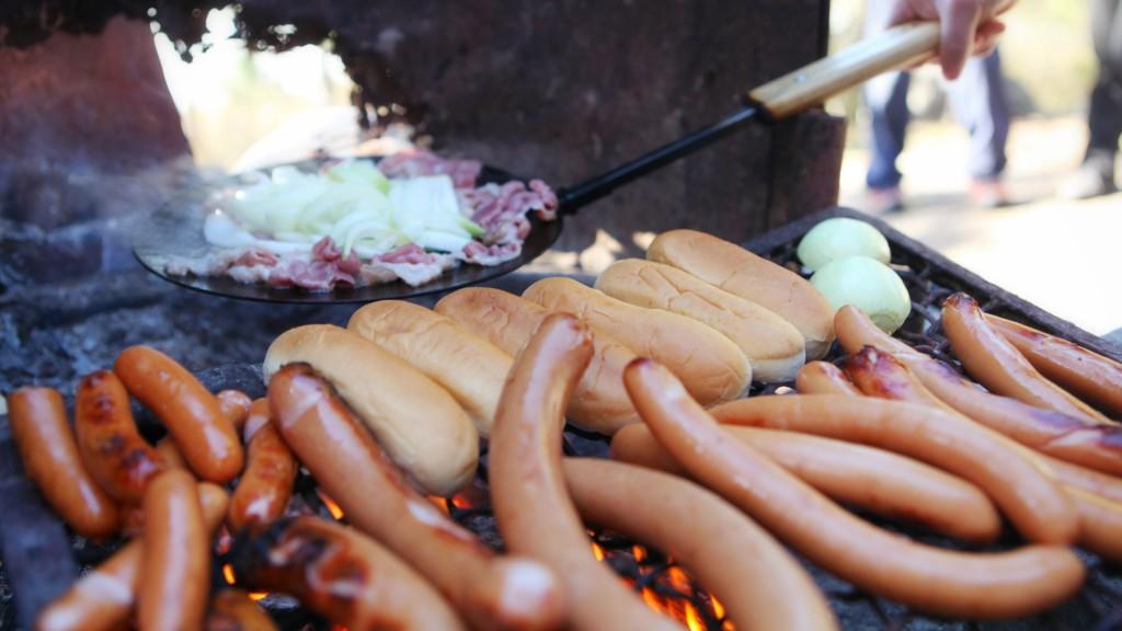 hot dog makkara bonfireappetit