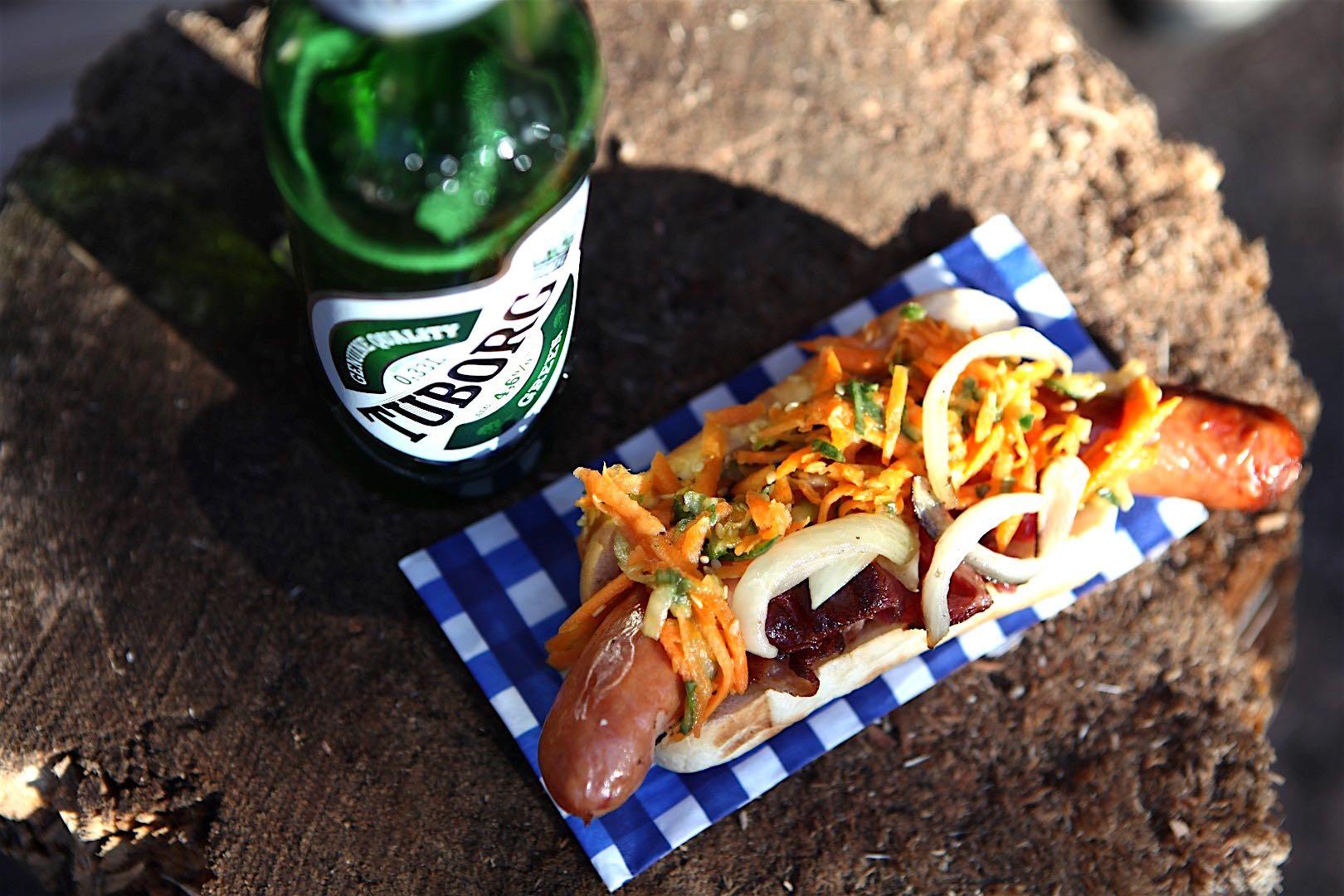 Tuborg-olut ja Hot Dog Vietnamilaiseen tapaan